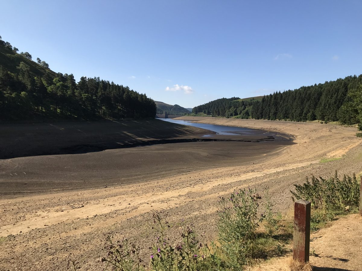 Upper half of Howden Reservoir, looking down to dam wall in July 2018 © Katie Muchan
